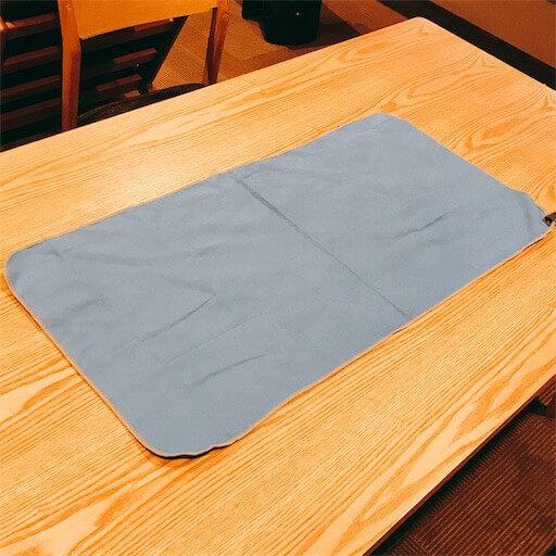 アウトドア用の吸汗速乾タオル